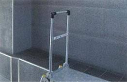 下段側からの昇降は禁止 折り畳み式エンドストッパー付
